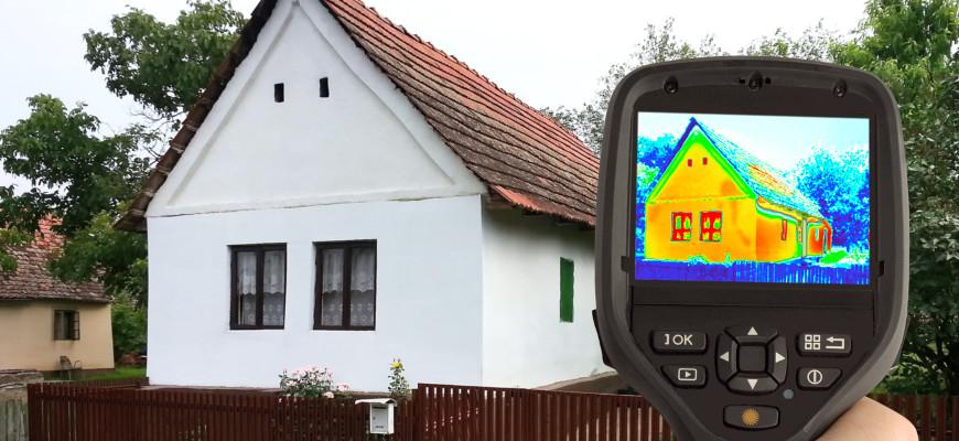 Rilevazione della perdita di calore della casa con telecamera termica a infrarossi