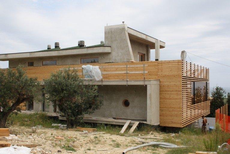 Facciata ventilata in legno Pescara
